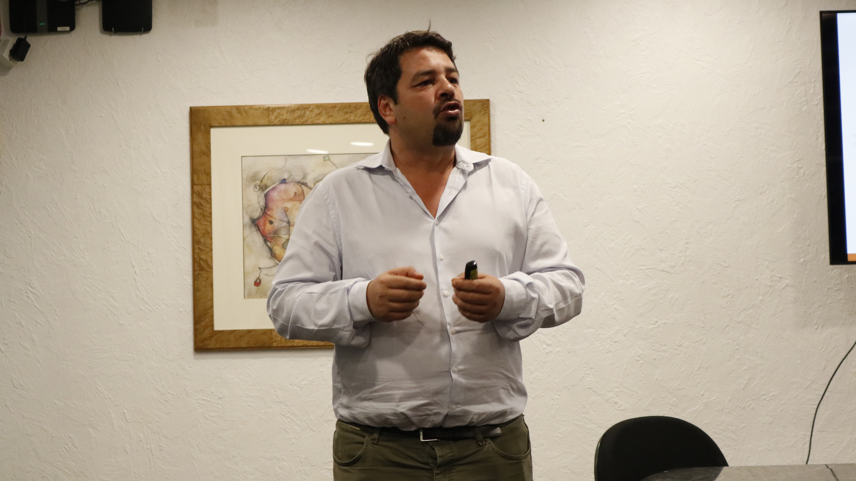 Foto: Filipe Tomé de Carvalho é primeiro conferencista do 18º curso de Jornalismo em Guerra e Conflitos Armados